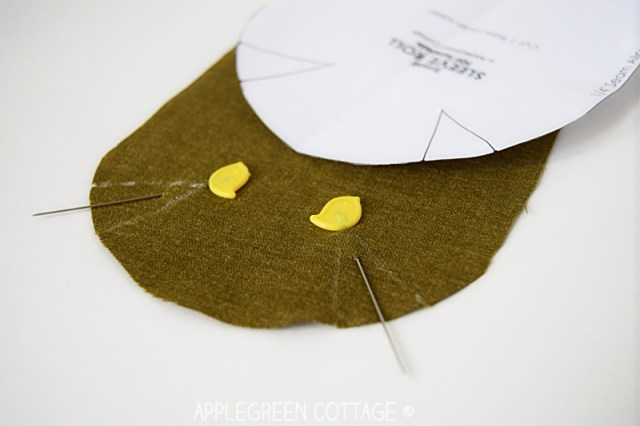 How to make a seam roll is a sewing tutorial with a free template for a seam roll, a useful pressing aid - you also get a free template.
