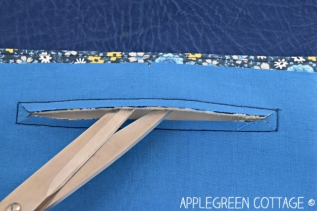 zipper pocket on a bag