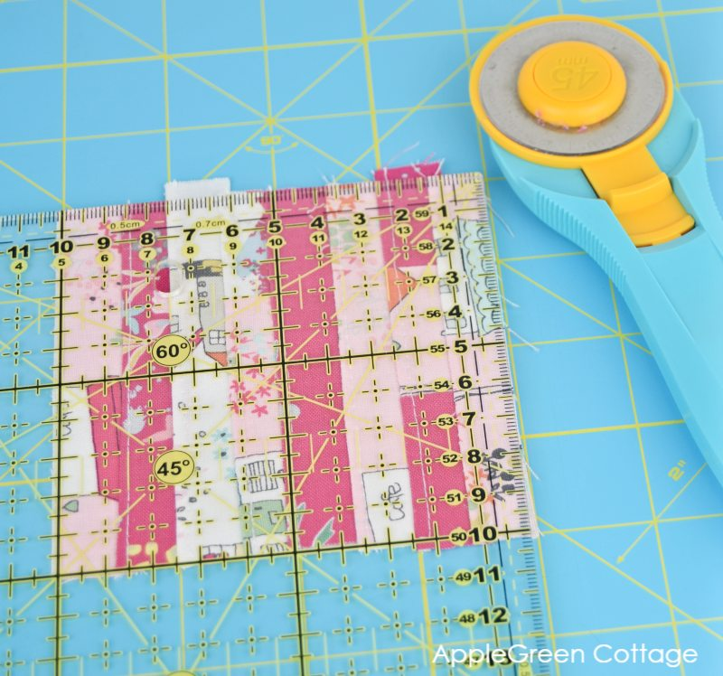 square quilt block for pincushion