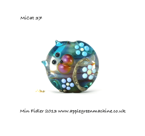 min fidler lampwork glass cat beads at applegreenmachine