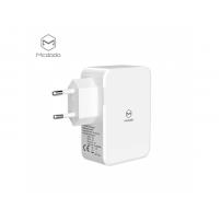 MCDODO adaptér do zásuvky se dvěma USB porty a jedním USB-C pro Apple iPhone - bílý