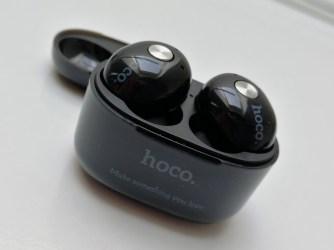 Bezdrátová sluchátka hoco. ES10 s dokovací stanicí
