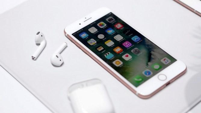 iPhone 7 și 7 Plus - Air Pods