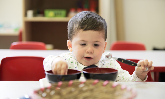 Dealing with picky eaters | AppleMontessoriSchools.com