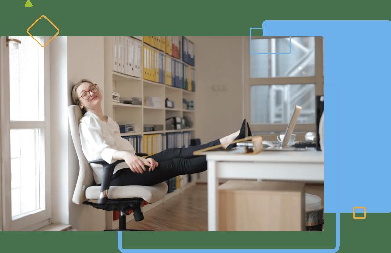 HR hiring mananger relaxing