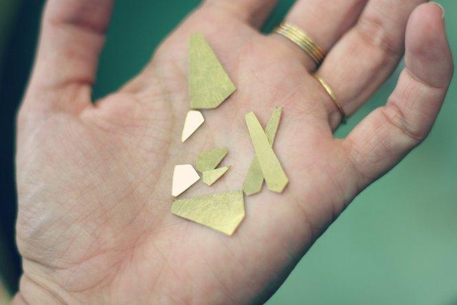 Boucles pendante style Art Déco - les étapes de leur création sont à retrouver sur www.apprendre-la-bijouterie.com !