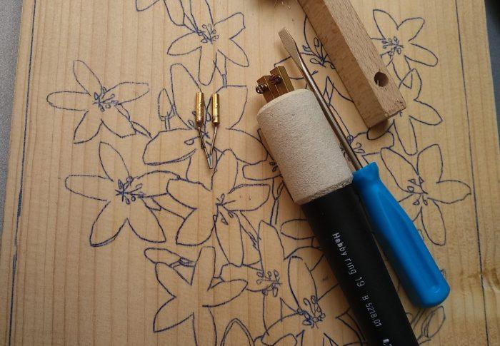 Pyrogravure de tableaux de fleurs – DIY décoration d'intérieur