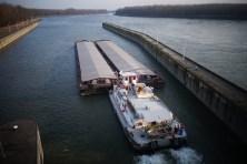 Portes container sur le Danube