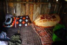Notre lit douillet, près du poêle