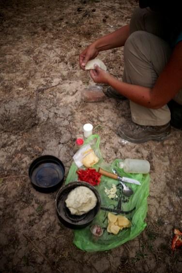 Le bazar dans la cuisine, Chapatis en cours
