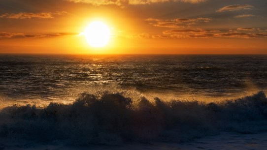 tasman_sea_sunset_beach_waves_4k