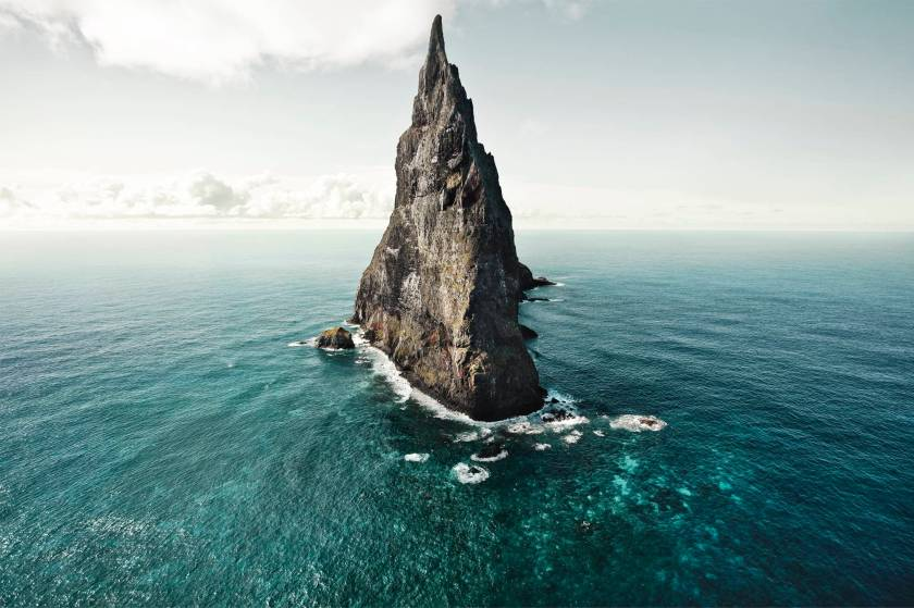 Download-Mountain-Sea-Sky-Desktop-Wallpapers-3