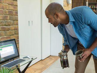 set up dynamic lock on windows 10 using bluetooth devices