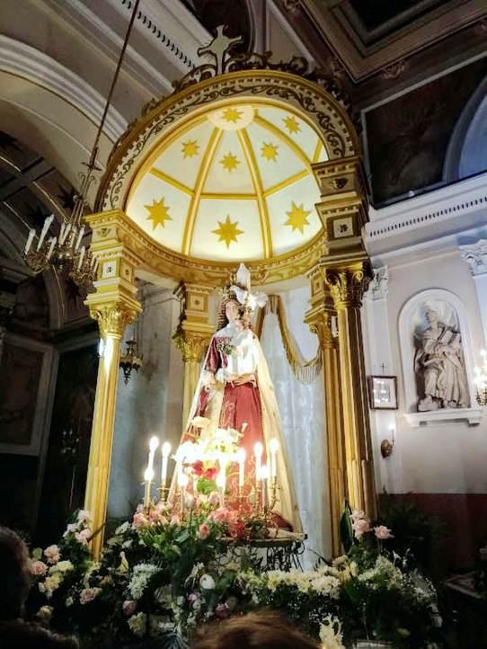 Pagani: Interno Santuario Madonna delle Galline