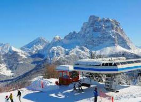 Dolomiti Superski sci e abbronzatura perfetta in inverno