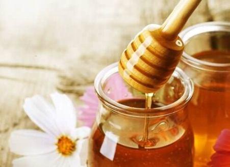 Benefici aglio e miele per la tosse