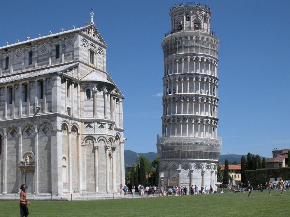 pisa ruta en coche por italia