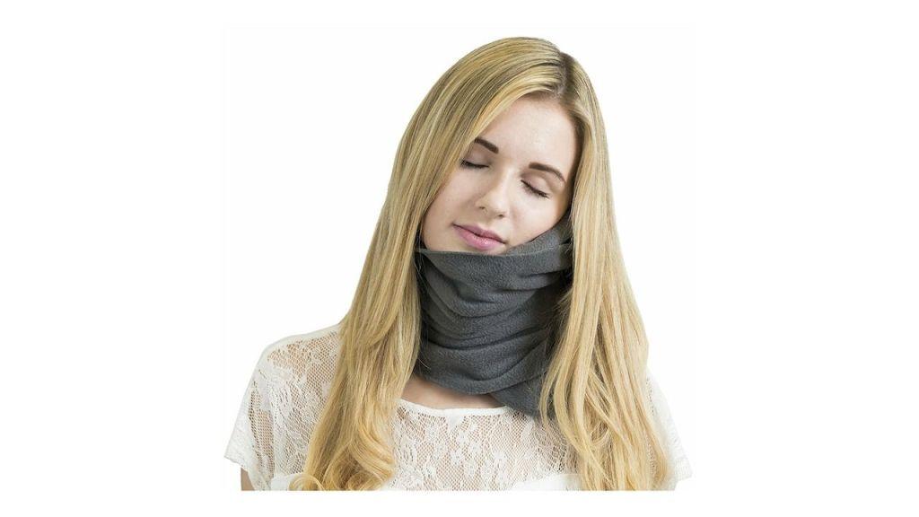 Cómo se coloca una almohada cervical