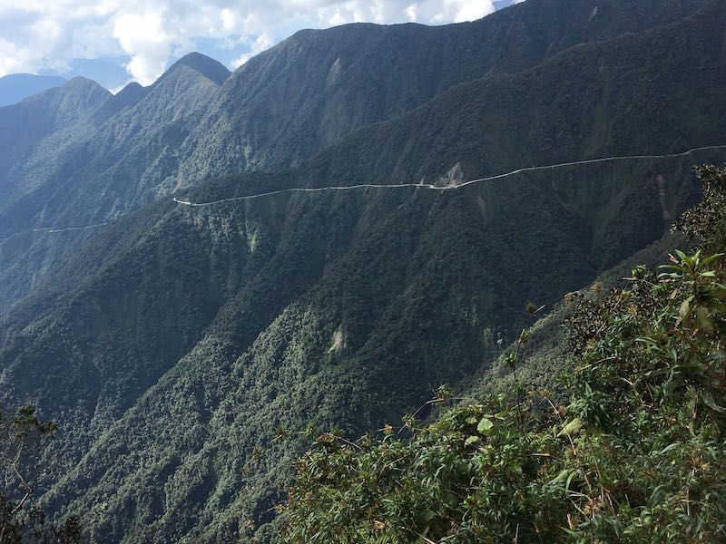 camino de os yungas en bibicleta bike death road