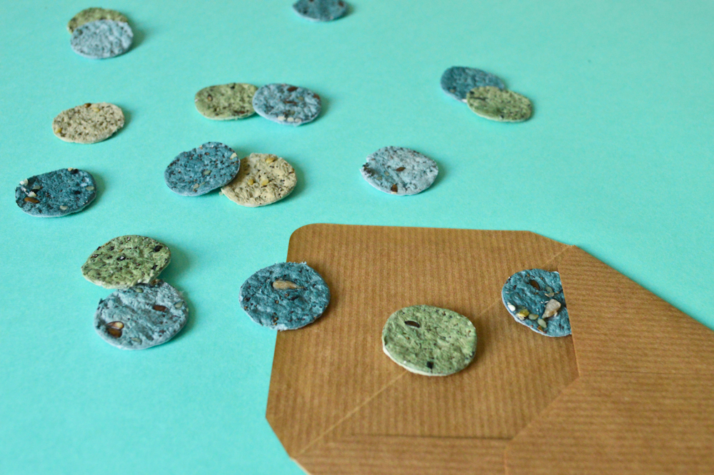 Créer des confettis de papier ensemencé / Après la flemme DIY