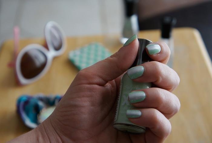 sally-hansen-mint-and-silver