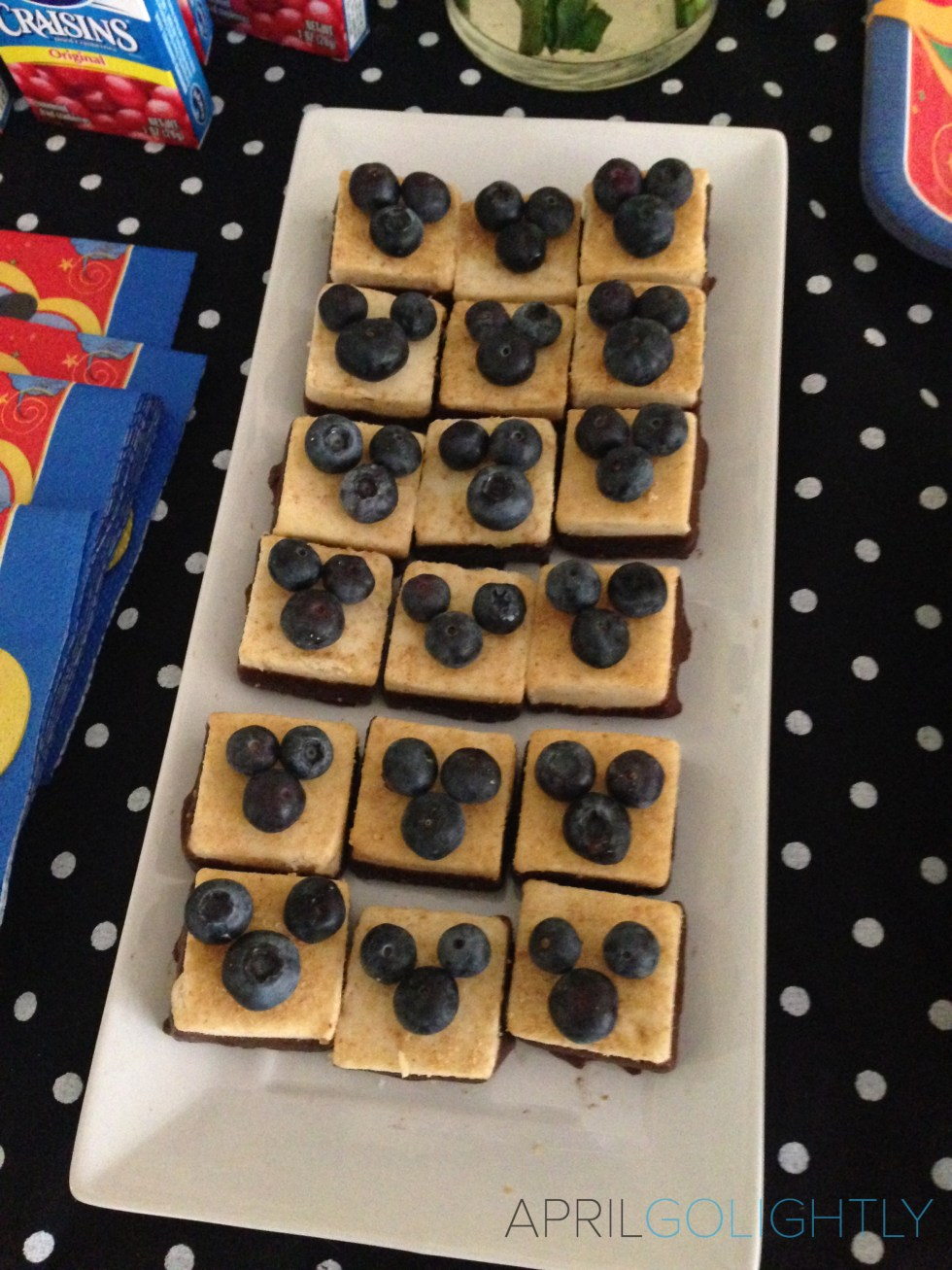 Mickey Mouse Party dessert #disneyside.jpg