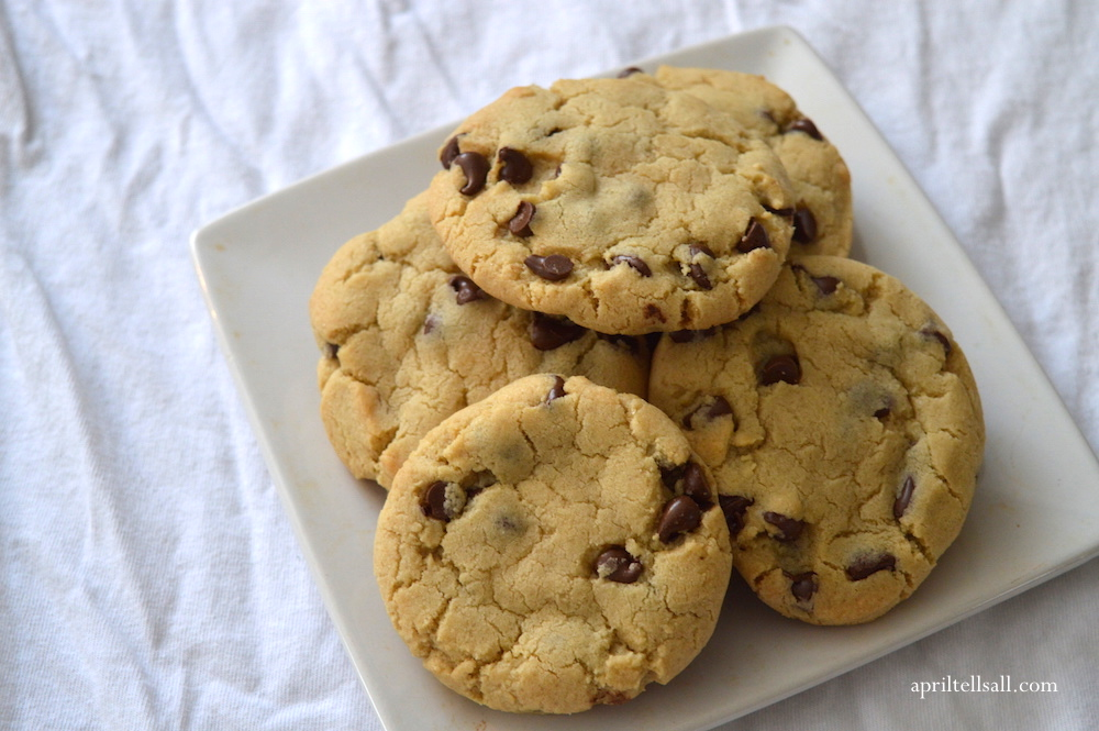 943e0e7bad Bakery Style Chocolate Chip Cookies | April Tells All