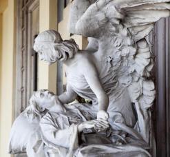 Cimitero Monumentale Verona scultura angelo della morte