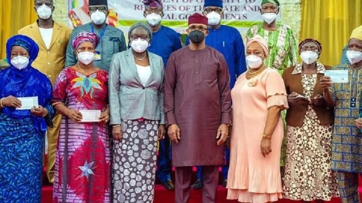 Abiodun Pays N500m to Retirees, Pensioners in Ogun