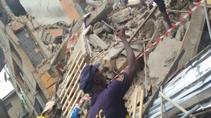 Lagos Demolishes Distressed, Partially Collapsed Building at Bariga