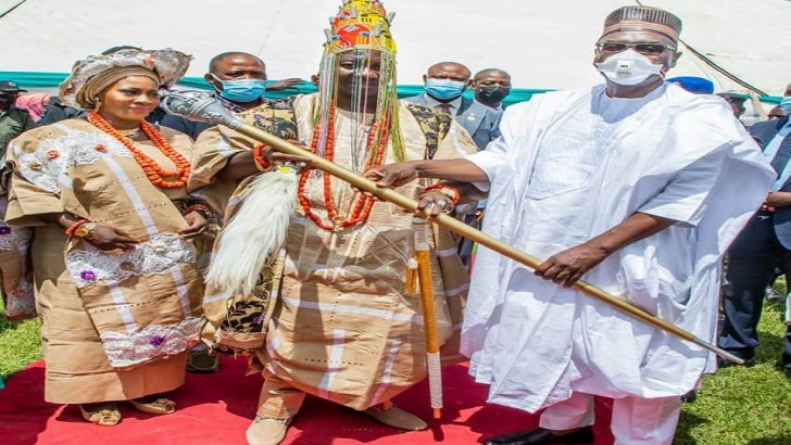 AbdulRazaq Presents Staff of Office to New Olupo of Ajase-Ipo, Preaches National Unity