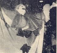 Pode se ri do palhaço. No final da festa ele levou a bolada de 5 mil cruzeiros correspondente ao primeiro prêmio de fantasia masculina Antonio Carlos Modesto.