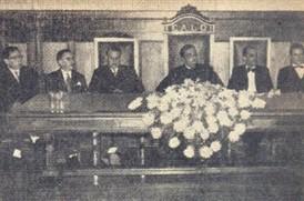 A mesa que presidiu a solenidade
