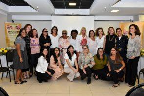 O evento contou com palestras e reuniu um time de debatedoras