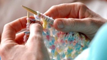 Fazer tricô: terapia e vantagem econômica