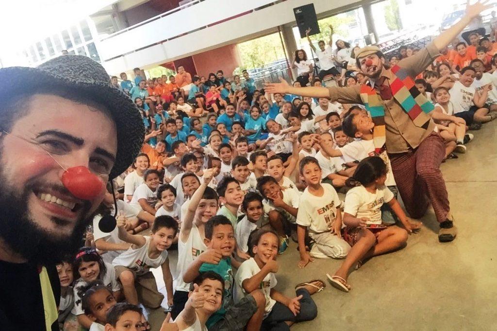 Caravana Kids da Sicredi ensina crianças a poupar dinheiro