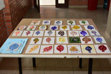 Alguns dos trabalhos concluídos pelos professores, durante as oficinas.