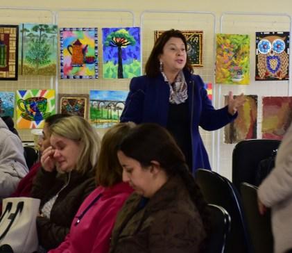 A secretária de Educação e Esporte, Dorotéa Aparecida Merchiori Stoco, participou da abertura das oficinas.