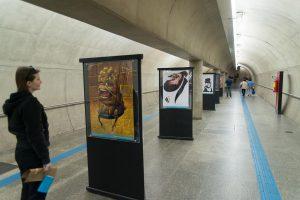 Exposição no Metrô pode ser vista na Estacao Corinthians-Itaquera - foto Dirso Barelli