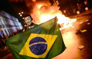 Fogo e protesto