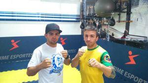 Ao_lado_do_técnico_da_seleção_br  asileira de karatê, Diego Spigolon_(à_direita)