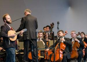 Fábio Peron atua como solista ao bandolim - foto Rodrigo Alves