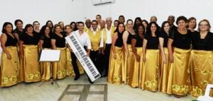 Vinícius Novaes, regente do Coral Vozes, comenta que o convite foi um desafio interessante para o grupo