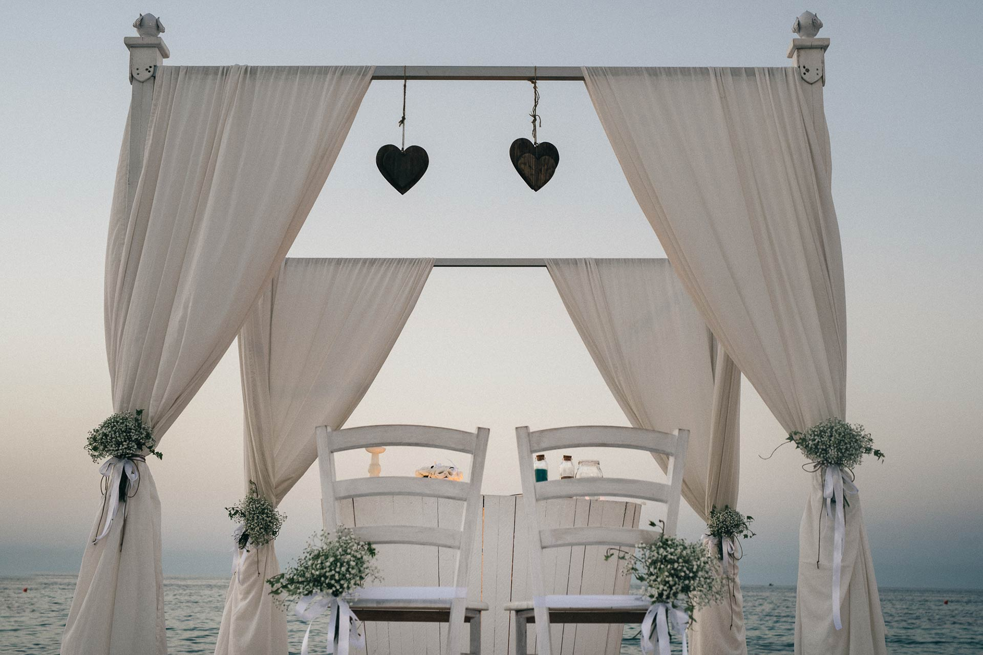 Beach ceremony Puglia celebrant