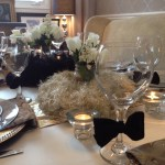 Oscar's Party Tablescape. This versatile table is perfect for a dinner party or even New Year's Eve.