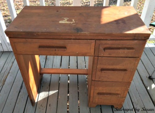 March Furniture Flip Challenge - #30DayFlip Round-Up Furniture Upcycle How to transform an old Desk using paint #30 day flip challenge