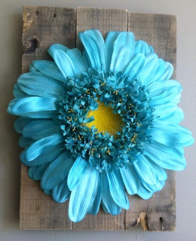 floral-art-and-pallet-wood-30dayflip-crafts-diy-pallet