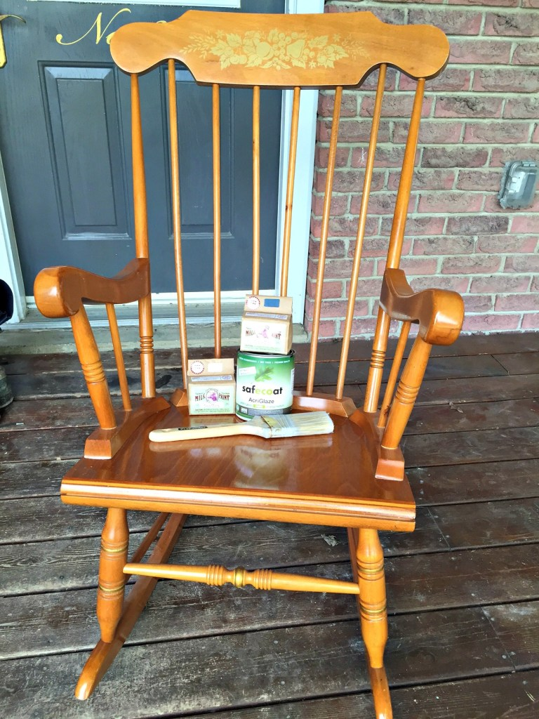 Farmhouse Distressed Rocker Chair Makeover and milk paint 101 using Old Fashioned Milk Paint for the #FFFC at apurdylittlehouse.com