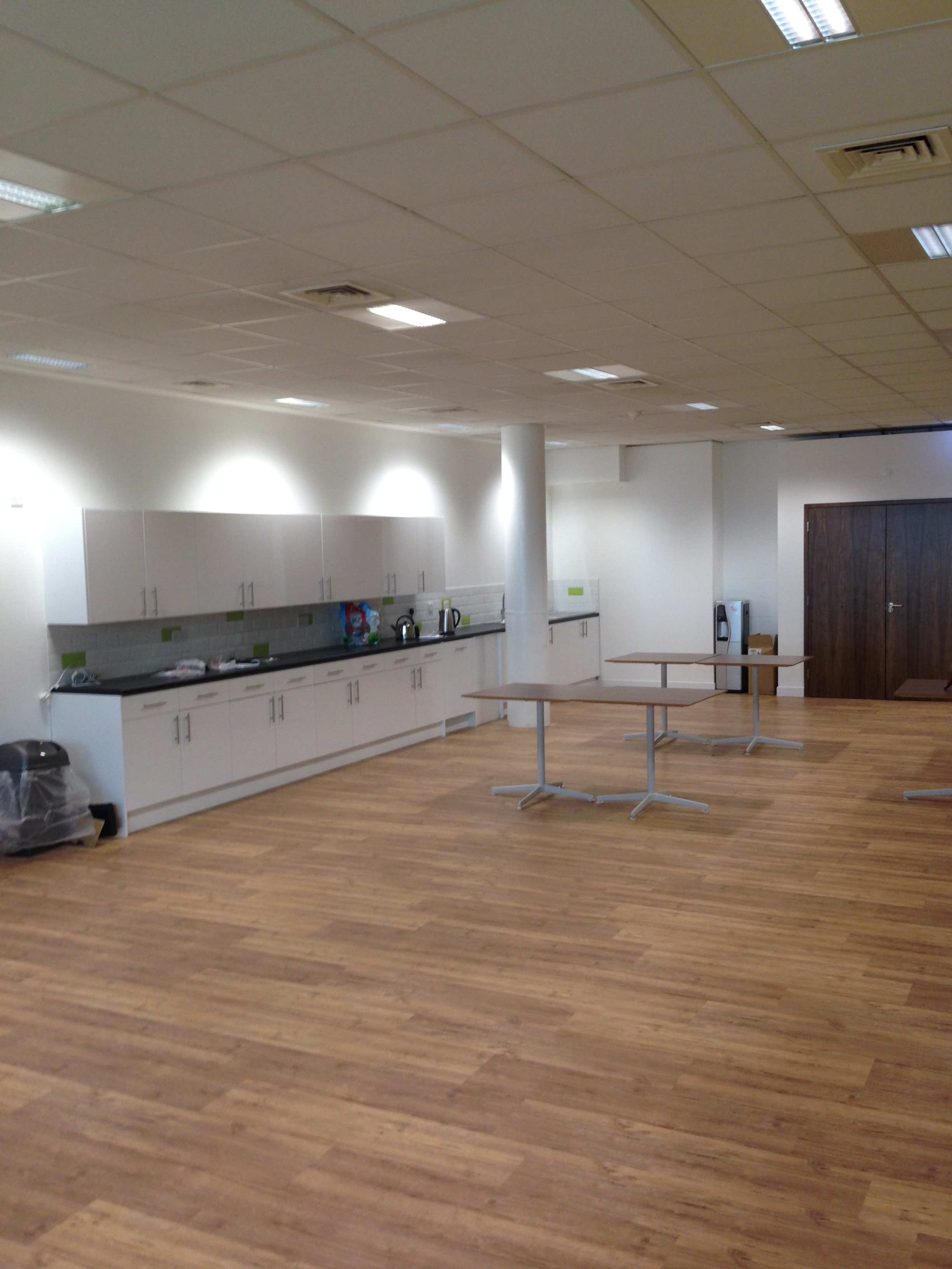 ASIG Terminal 2 fit out