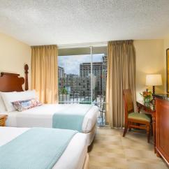 Hotels With Kitchens In Waikiki Kitchen Bar Stools Rooms And Accommodations For Aqua Ohia Aston